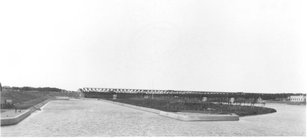 1910 Looking North to Lockport