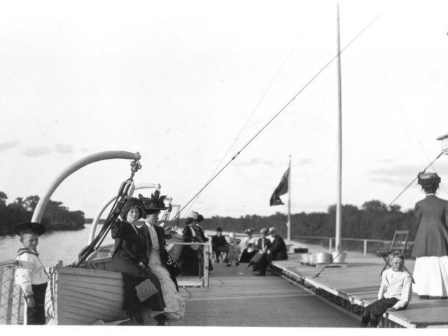 1910  on the Winnitoba