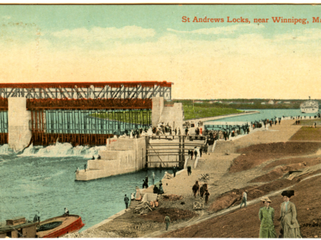 1910c Front of Locks Postcard
