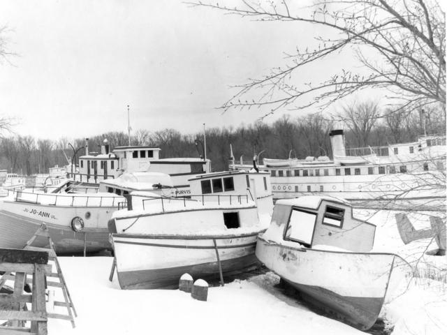1950 Selkirk docks, winter