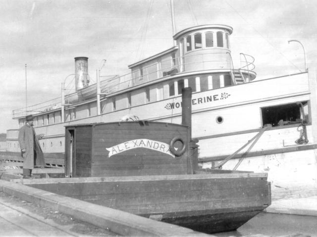 1950c Wolverine & barge at Selkirk