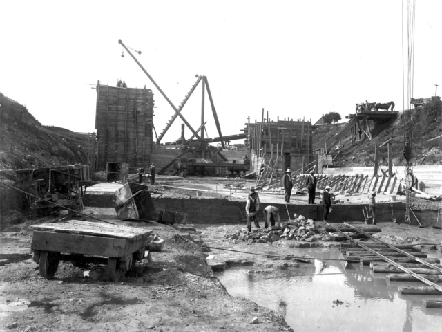1908 Lockport dam construction