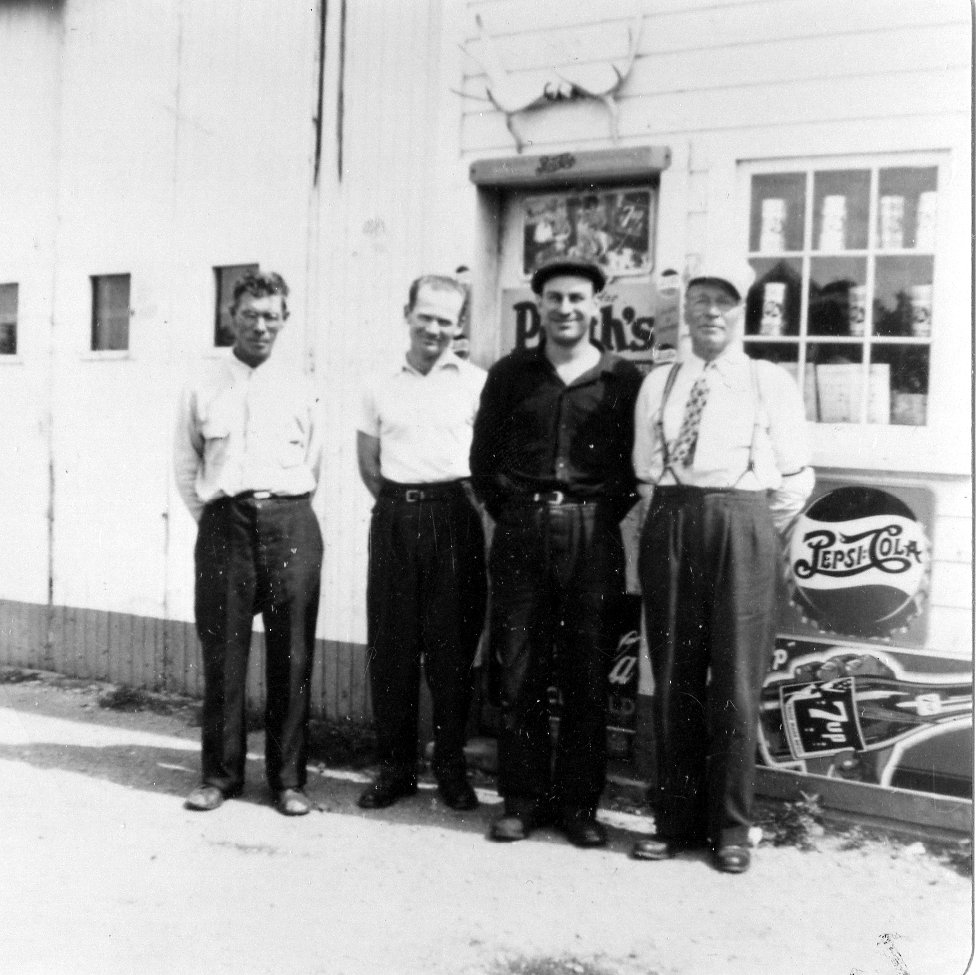 Bill's Garage at Gonor: Fred Blacher, Joe Dubowits, Bill Sempowich (owner),Paul Sempowich