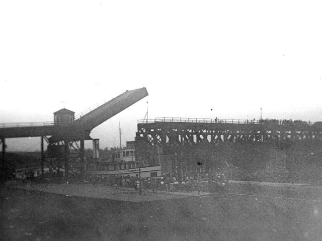 1939 Bridge being raised for the SS Keenora
