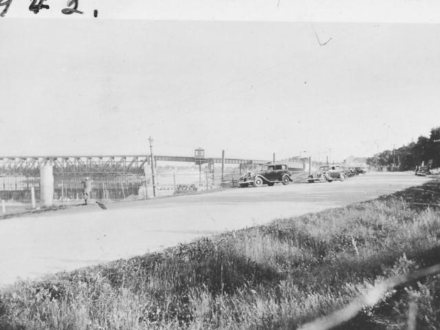 Mabel Davis' stand 1942