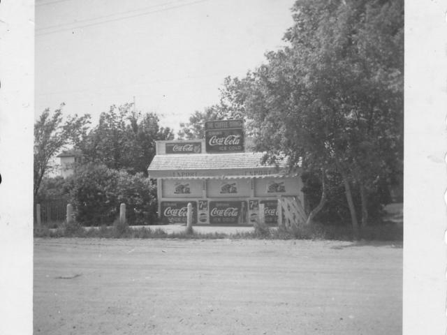 Mabel Davis' stand, Lockport
