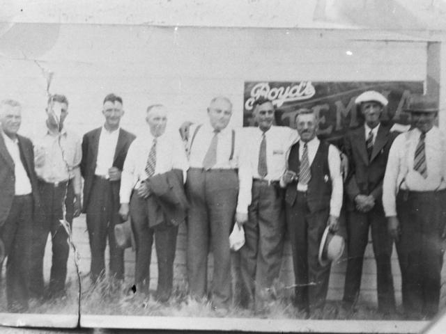J.McNeill, G Trapp, Mr Trapp, R.Burnett, Mr Sharp (Reeve), T.Bunn (sec-treas.), O.Gudz, J.Bolton, B.Leeonard