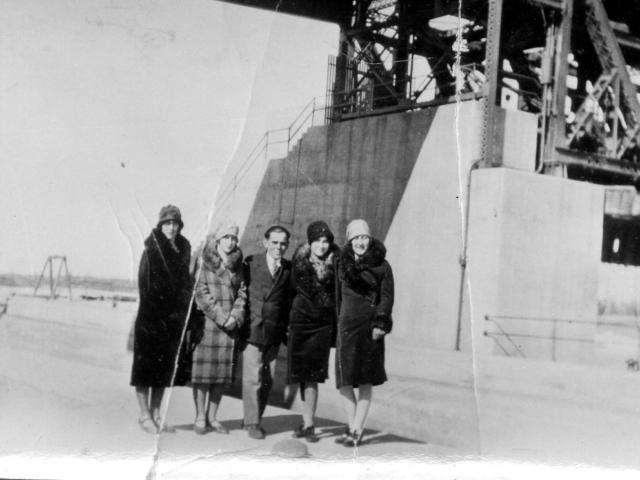 At the Locks: Miss Giraga, Doris Barchin, Billy Homenick, Doris Homenick, Daise Kisa