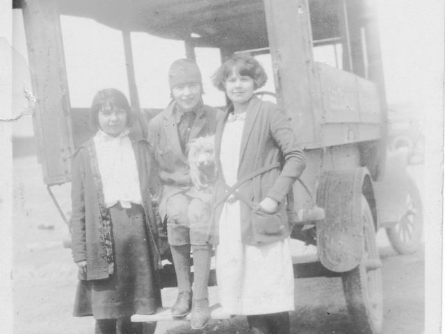 Mabel Davis and Passengers
