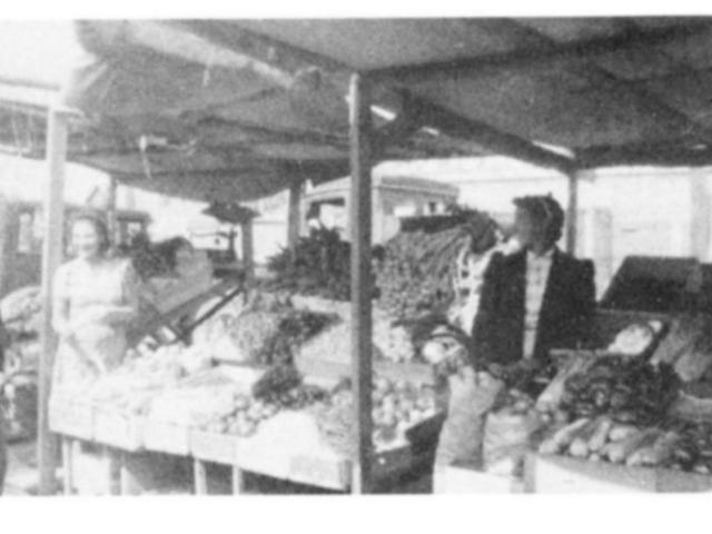 Market gardening - Wpg North End Market 1940