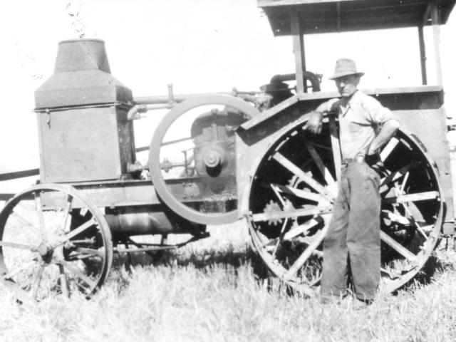 Rozmus tractor 1946