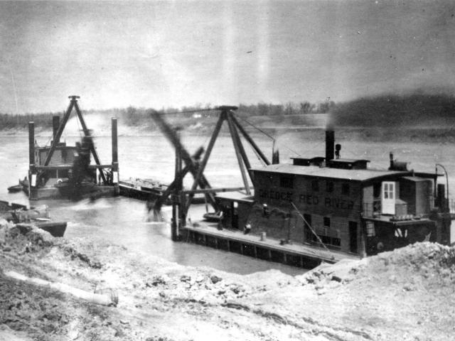 Ships Dredge working at Lockport