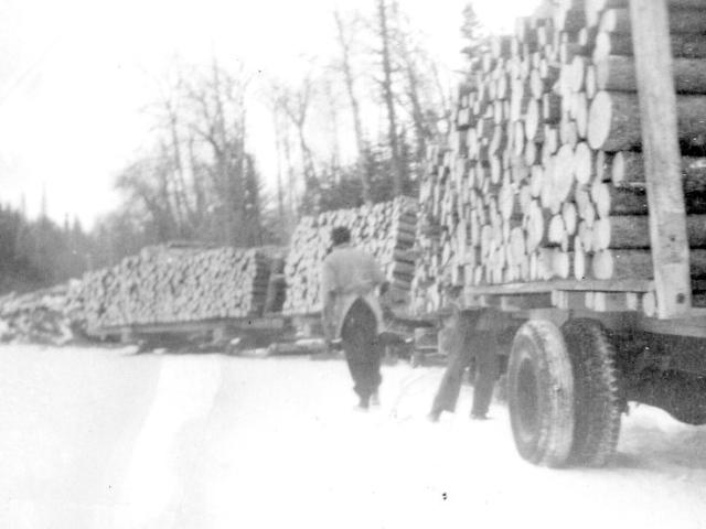 Wood - Monkman & Goodman hauling wood from Scanterbury
