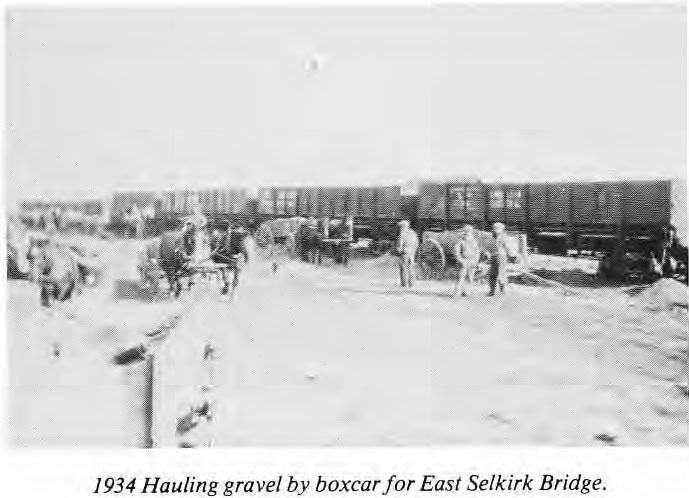 Hauling gravel by boxcar for East Selkirk Bridge